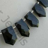 wholesale Black spinel pentagon shape