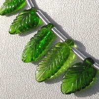 aaa Chrome Diopside Carved Leaf Beads