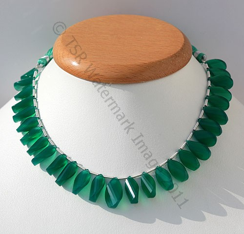 Green Onyx Twisted flat pear